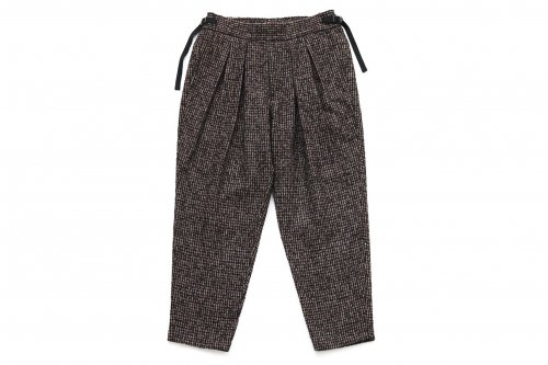 <img class='new_mark_img1' src='https://img.shop-pro.jp/img/new/icons47.gif' style='border:none;display:inline;margin:0px;padding:0px;width:auto;' />SAYATOMO /Karusan Tweed Slacks(BROWN)