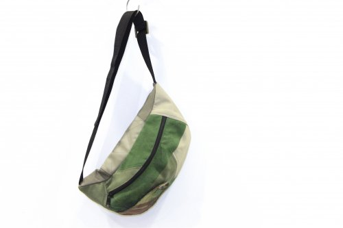<img class='new_mark_img1' src='https://img.shop-pro.jp/img/new/icons47.gif' style='border:none;display:inline;margin:0px;padding:0px;width:auto;' />made by filum / waist bag(CAMO)