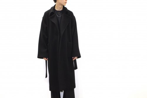 <img class='new_mark_img1' src='https://img.shop-pro.jp/img/new/icons47.gif' style='border:none;display:inline;margin:0px;padding:0px;width:auto;' />ATHA / DOUBLE MELTON MAXI COAT(BLACK)