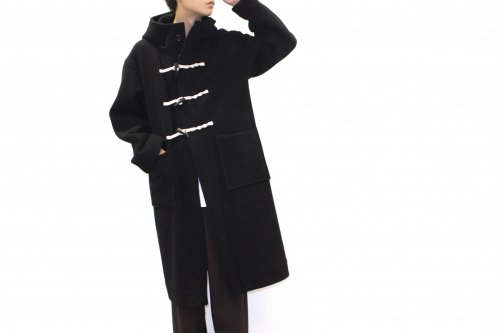 <img class='new_mark_img1' src='https://img.shop-pro.jp/img/new/icons47.gif' style='border:none;display:inline;margin:0px;padding:0px;width:auto;' />ATHA / DOUBLE MELTON DUFFLE COAT(BLACK)
