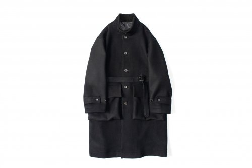 <img class='new_mark_img1' src='https://img.shop-pro.jp/img/new/icons47.gif' style='border:none;display:inline;margin:0px;padding:0px;width:auto;' />stein / OVER SLEEVE STAND COLLAR COAT(BLACK)