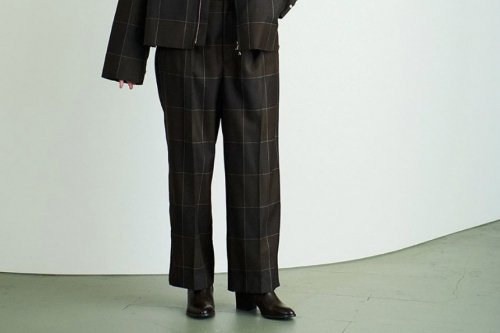 <img class='new_mark_img1' src='https://img.shop-pro.jp/img/new/icons47.gif' style='border:none;display:inline;margin:0px;padding:0px;width:auto;' />YOKE / 1TUCK WIDE TROUSERS(BROWN CHECK)