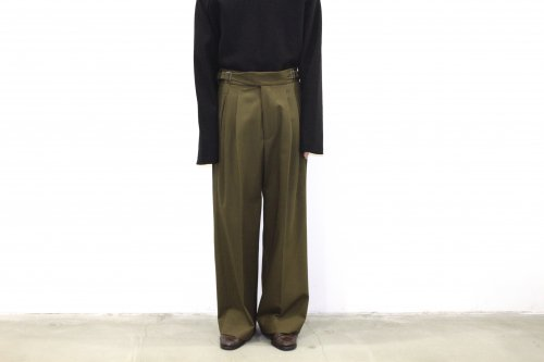 <img class='new_mark_img1' src='https://img.shop-pro.jp/img/new/icons47.gif' style='border:none;display:inline;margin:0px;padding:0px;width:auto;' />YOKE / 2TUCK WIDE GURKHA TROUSERS(DUSTY BROWN)