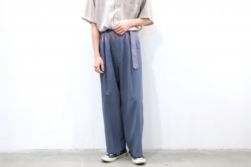 <img class='new_mark_img1' src='https://img.shop-pro.jp/img/new/icons47.gif' style='border:none;display:inline;margin:0px;padding:0px;width:auto;' />YOKE / HI WAIST BELTED TROUSERS(FOG BLUE)