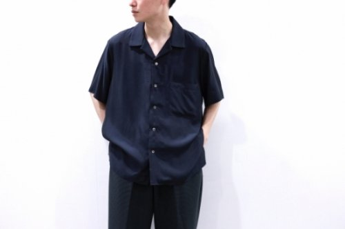 <img class='new_mark_img1' src='https://img.shop-pro.jp/img/new/icons2.gif' style='border:none;display:inline;margin:0px;padding:0px;width:auto;' />stein / CUPRO OPEN COLLAR SS SHIRT(BLACK)