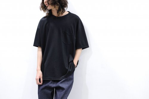 <img class='new_mark_img1' src='https://img.shop-pro.jp/img/new/icons2.gif' style='border:none;display:inline;margin:0px;padding:0px;width:auto;' />stein / OVERSZED POCKET TEE - LYOCELL(BLACK)