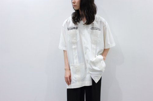 <img class='new_mark_img1' src='https://img.shop-pro.jp/img/new/icons2.gif' style='border:none;display:inline;margin:0px;padding:0px;width:auto;' />lil / OVERSIZED EMBROIDERY CUBA SHIRT_B(WHITE)