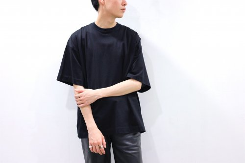 <img class='new_mark_img1' src='https://img.shop-pro.jp/img/new/icons2.gif' style='border:none;display:inline;margin:0px;padding:0px;width:auto;' />no. / BACK SWITCH TEE(BLACK)