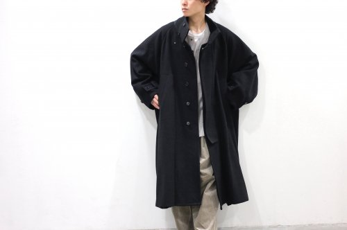 <img class='new_mark_img1' src='https://img.shop-pro.jp/img/new/icons47.gif' style='border:none;display:inline;margin:0px;padding:0px;width:auto;' />VOAAOV / WOOL OVERSIZE STANDCOLLAR COAT(BLACK)