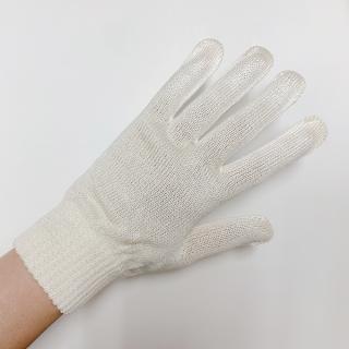 絹糸屋さんの『おそとで育った蚕の力。』野蚕生糸のシルク手袋|〜フィラメントシルク・生糸〜|きなり(アイボリー)