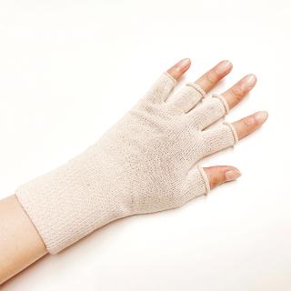 【再入荷】絹糸屋さんの『手首から、しっかり。』シルクハンドウォーマー|〜けんぼうシルク・絹紡糸〜|ライトベージュ