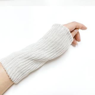 絹糸屋さんの『はずすに、しのびない。』シルクマルチウォーマー|〜つむぎシルク・絹紬糸〜|ライトグレー