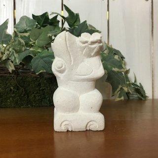 パラス石 石彫り バリ島 アジアン オブジェ 置物 カエル 10cm (プルメリアひねり左向き)