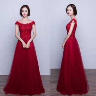 REDのワンカラーが印象的な花柄刺繍×シフォンドレス