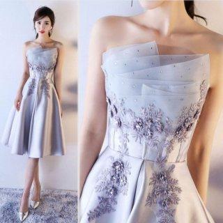 煌ビジューと細やかな花柄刺繍がdressyなキャバドレス