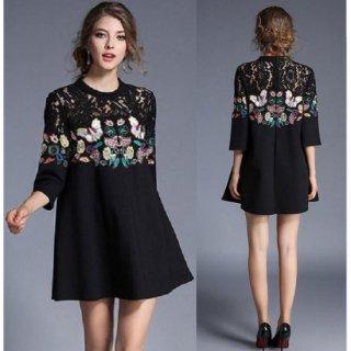 バタフライ刺繍がエキゾチックでミステリアスなキャバドレス