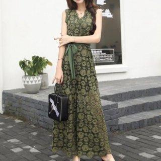 透け感セクシーな花柄刺繍のノースリーブドレス