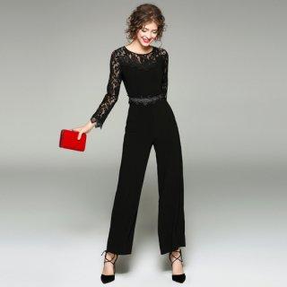 刺繍レースがエレガントな印象のワイドパンツドレス
