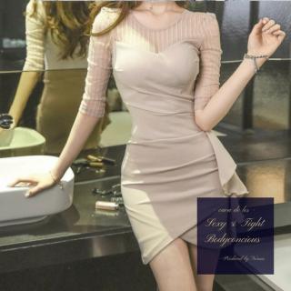 サイドフリルとストライプ柄からの透け魅せがフェミニンなキャバドレス