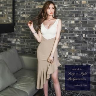 アシンメトリーのスカートフリルがフェミニンなボディコンキャバドレス