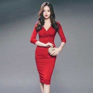 真っ赤なカラーが華やかな谷間魅せボディコンキャバドレス