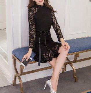 カジュアルからフォーマルシーンまで使える♪裾のフリルがキュートな総レースのタイトドレス