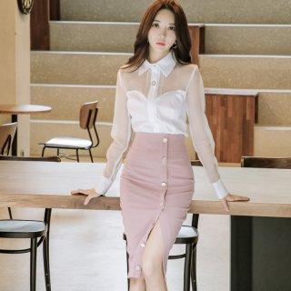 透け感のあるシフォンシャツ×タイトスカートがフェミニンなセットアップ