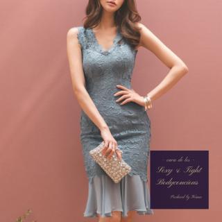 ワントーンの花柄レースがオトナかわいい裾フリルのボディコンドレス