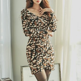 3カラーの幾何学模様が大人エレガントなチューリップスカートの長袖ボディコンワンピース