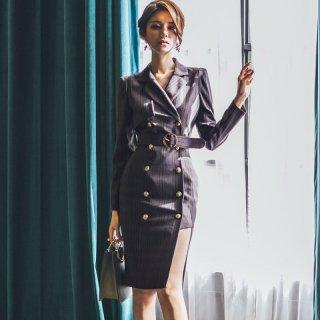 アシンメトリーなスカートがおしゃれ 太ベルト付きのトレンチ風長袖タイトワンピース
