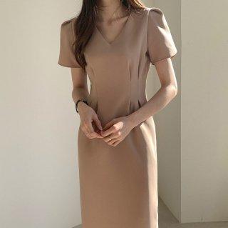 デートや同伴におすすめ 美シルエットのきれいめ半袖ワンピース 2色