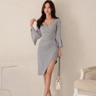上品セクシーな海外デザイン シンプルかわいいフレア袖の膝丈アシメワンピース