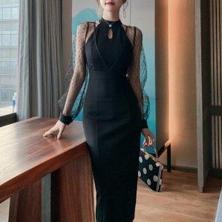 クラブやラウンジにもおすすめ ホルターネック風透けシフォンの黒ワンピース タイトドレス