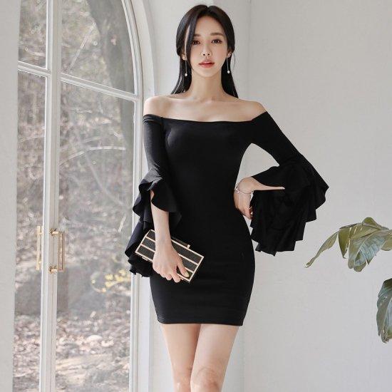 個性的なボリュームスリーブがおしゃれ 黒のボディコンオフショルミニドレス ワンピース