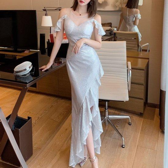 ゴージャスなフリルデザイン オープンショルダーがおしゃれなマキシ丈タイトドレス