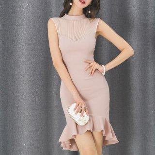 お呼ばれにもおすすめ たっぷりフリルがかわいいミニ丈のノースリーブタイトワンピース ドレス