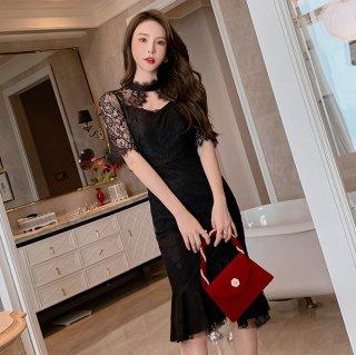 繊細レースの高見えデザイン 上品かわいいヘムラインフリルの袖ありマーメードタイトドレス 2色
