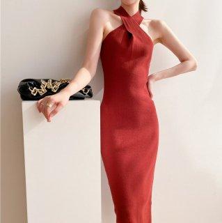 ホルターネックがエレガント 美シルエットなシンプルデザインのロング丈タイトワンピース 4色