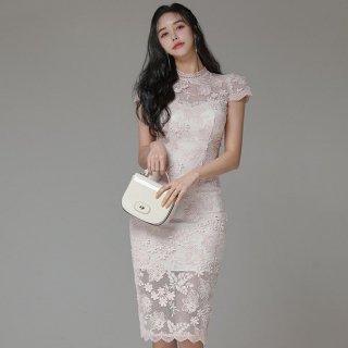 花柄レースでフェミニンに やわらかな透け感の膝丈ボディコンワンピース ドレス