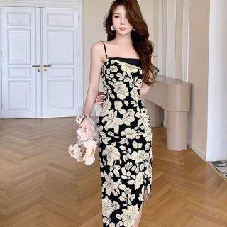 エレガントでモダンなボタニカル柄 モノトーンのロング丈キャミソールタイトドレス ワンピース