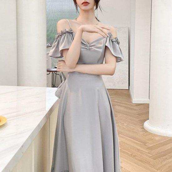 4typeから選べる海外デザイン 上品かわいいフリルデザインのロングドレス