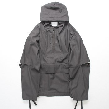 <img class='new_mark_img1' src='https://img.shop-pro.jp/img/new/icons14.gif' style='border:none;display:inline;margin:0px;padding:0px;width:auto;' />stein/ OVERSIZED DIVIDE SLEEVE ANORAK