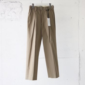 <img class='new_mark_img1' src='https://img.shop-pro.jp/img/new/icons14.gif' style='border:none;display:inline;margin:0px;padding:0px;width:auto;' />YOKE/ 1TUCK EASY TAPERED TROUSERS