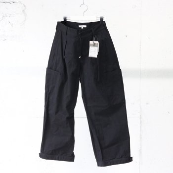 <img class='new_mark_img1' src='https://img.shop-pro.jp/img/new/icons14.gif' style='border:none;display:inline;margin:0px;padding:0px;width:auto;' />kontor/ ADJUSTABLE WORK PANTS