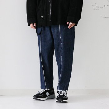 <img class='new_mark_img1' src='https://img.shop-pro.jp/img/new/icons14.gif' style='border:none;display:inline;margin:0px;padding:0px;width:auto;' />kontor/ TAPERED SELVEDGE PANTS