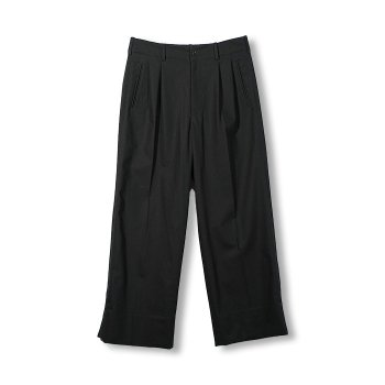 <img class='new_mark_img1' src='https://img.shop-pro.jp/img/new/icons14.gif' style='border:none;display:inline;margin:0px;padding:0px;width:auto;' />YOKE/ 2TUCK WIDE-LEGGED SIDE TAPE TROUSERS
