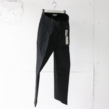 <img class='new_mark_img1' src='https://img.shop-pro.jp/img/new/icons14.gif' style='border:none;display:inline;margin:0px;padding:0px;width:auto;' />kontor/ 2 PLEAT COATED TROUSERS
