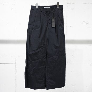 <img class='new_mark_img1' src='https://img.shop-pro.jp/img/new/icons14.gif' style='border:none;display:inline;margin:0px;padding:0px;width:auto;' />sheba/ 2 TUCK WIDE PANTS