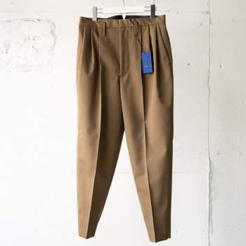<img class='new_mark_img1' src='https://img.shop-pro.jp/img/new/icons14.gif' style='border:none;display:inline;margin:0px;padding:0px;width:auto;' />ESSAY/ -exclusive- 3TUCK SLACKS