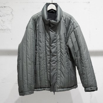 <img class='new_mark_img1' src='https://img.shop-pro.jp/img/new/icons14.gif' style='border:none;display:inline;margin:0px;padding:0px;width:auto;' />YOKE/ REVERSIBLE QUILTED PADDED BLOUSON
